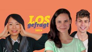"""Die Moderatoren Kiko, Kostas und Leonie und das Logo der Sendung """"LOSgefragt"""" (Foto: SWR)"""