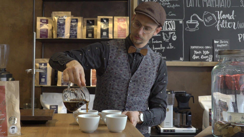 Thorsten in seinem Café (Foto: SWR)
