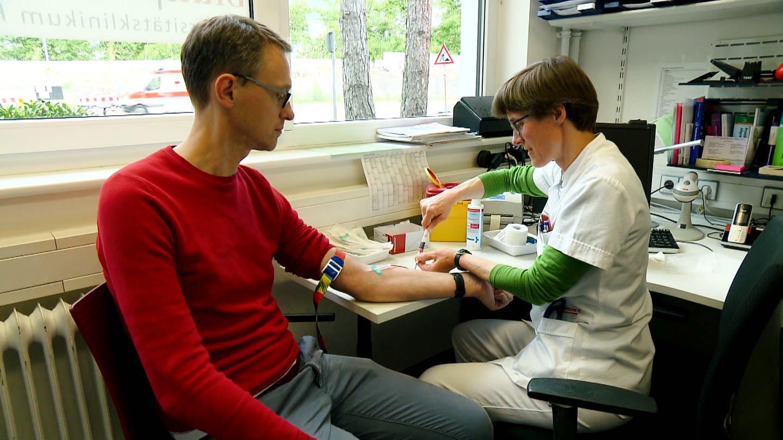 Blutspenden (Foto: SWR)