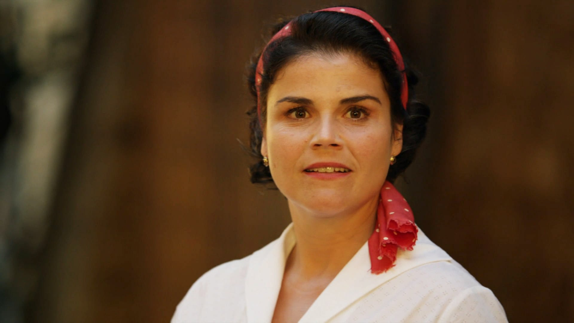 Schauspielerin Katharina Wackernagel nah - Szene aus ARD-Film Aenne Burda