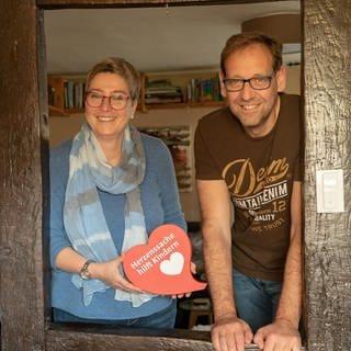 Claudia und Ulf Püschel aus dem Westerwald spenden seit Jahren für Hilfsprojekte (Foto: SWR)