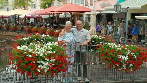 Ehepaar Treinen am Wasserfall in Saarburg (Foto: SWR)