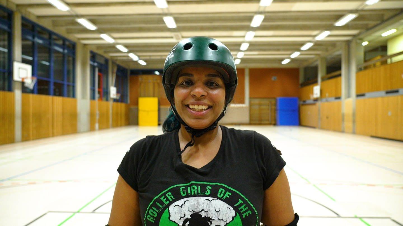 Sultana Rosario beim Roller Derby (Foto: SWR)