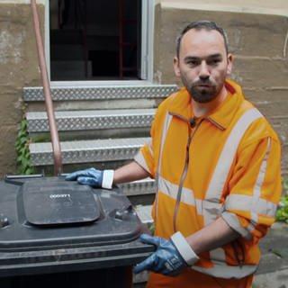 Für Manuel aus Ludwigshafen ist Müllmann ein Traumberuf (Foto: SWR)