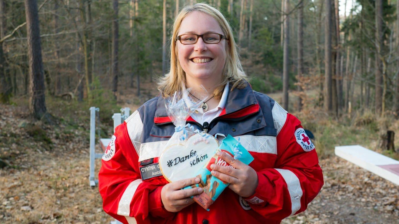 Cynthia Gresser von der Rettungshundestaffel Ludwigshafen Süd. (Foto: SWR)