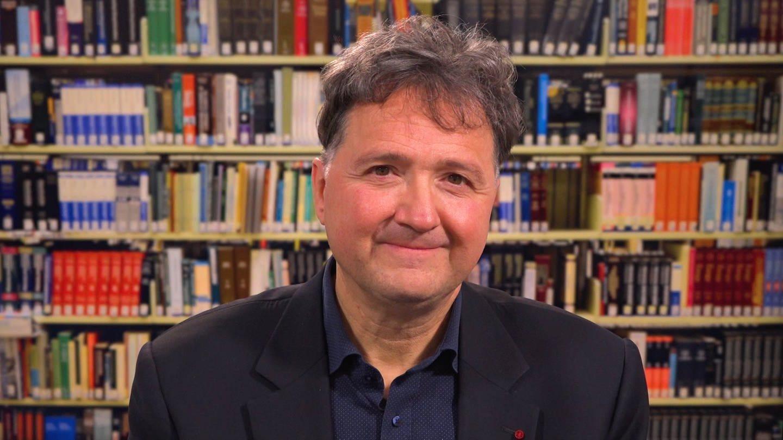 Der in Ludwigshafen am Rhein geborene Schriftsteller arbeitet unter anderem als Dozent für Bibel- und Geschichtsdidaktik. (Foto: SWR)