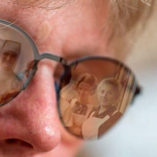 Frau Jatzko blickt in die Vergangenheit (Foto: SWR)