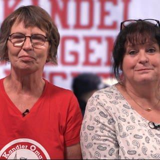 """Omas gegen rechts"" in Kandel (Foto: SWR)"