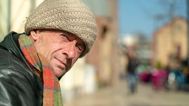 Straßenmusiker Peter (Foto: SWR)