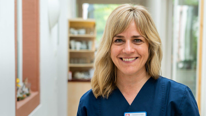 Pflegerin Patricia Mollnau liebt ihre Arbeit im Hospiz (Foto: SWR)