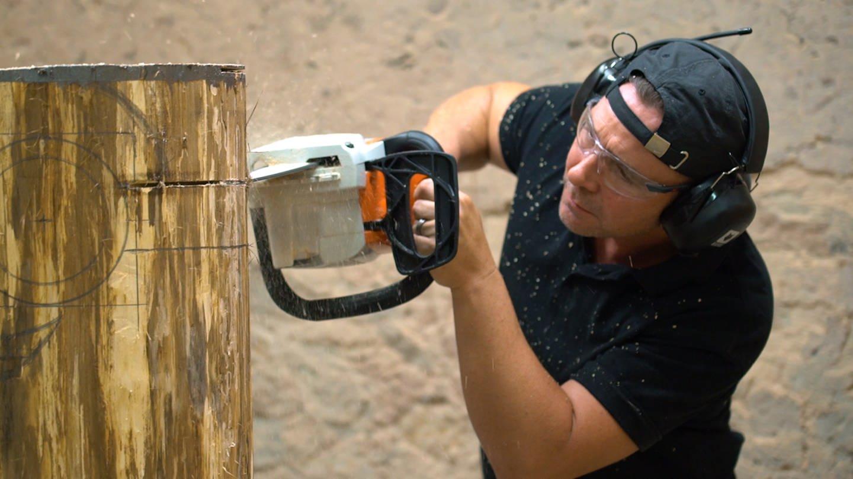 Kettensägenkünstler Sven Schnaitmann aus Worms (Foto: SWR)