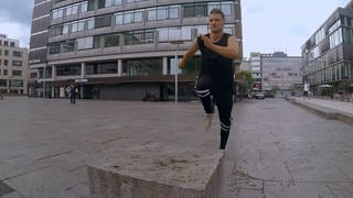 Parkour-Sportler Andy Haug beim Training (Foto: SWR)