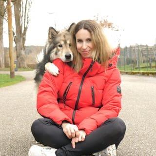 Eine Influenzerin und ihr Hund sind auf Instagram erfolgreich (Foto: SWR)