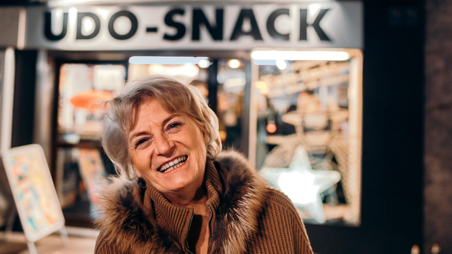 Frau Kutscher ist Geschäftsführerin des Imbiss