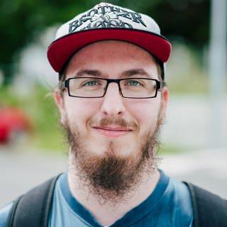 Junger Mann, der viel Miete im Großraum Stuttgart zahlt (Foto: SWR)