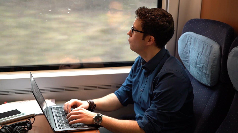 Marc schreibt in seinem Blog über seine Leidenschaft: Das Pendeln im Zug (Foto: SWR)
