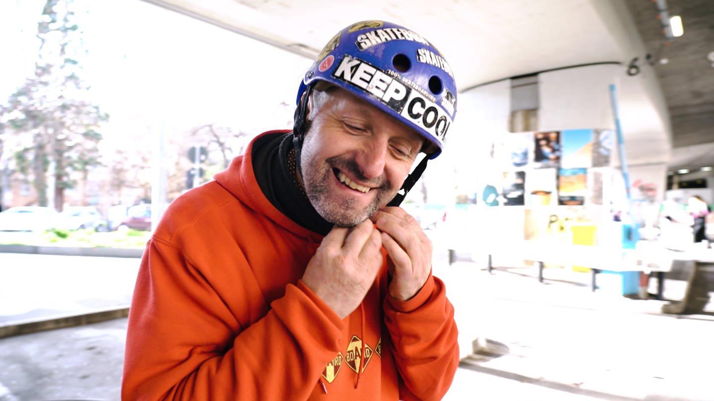 Slalom Skater Robert in Stuttgart (Foto: SWR)
