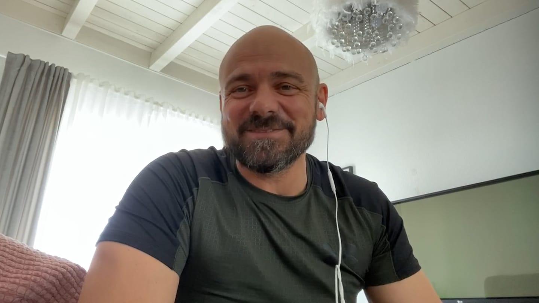 Fitnesstrainer gibt Online-Kurse (Foto: SWR)