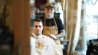 Ulis hat mit 51 noch eine Barber-Ausbildung gemacht (Foto: SWR)