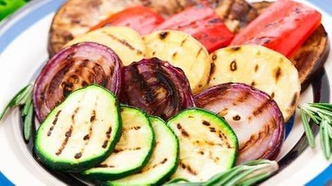 Gegrilltes Gemüse auf einem Teller (Foto: Colourbox, Foto: Colourbox.de -)