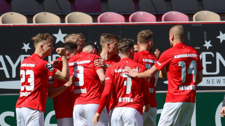 Kann der 1. FC Kaiserslautern auch beim TSV 1860 München jubeln? (Foto: picture-alliance / Reportdienste, Picture Alliance)