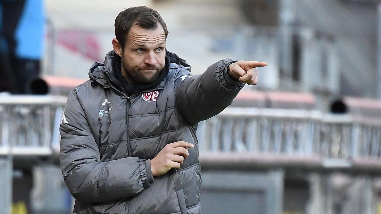 In Aktion: Der neue Mainzer Trainer Bo Svensson (Foto: Imago, Jan Huebner)