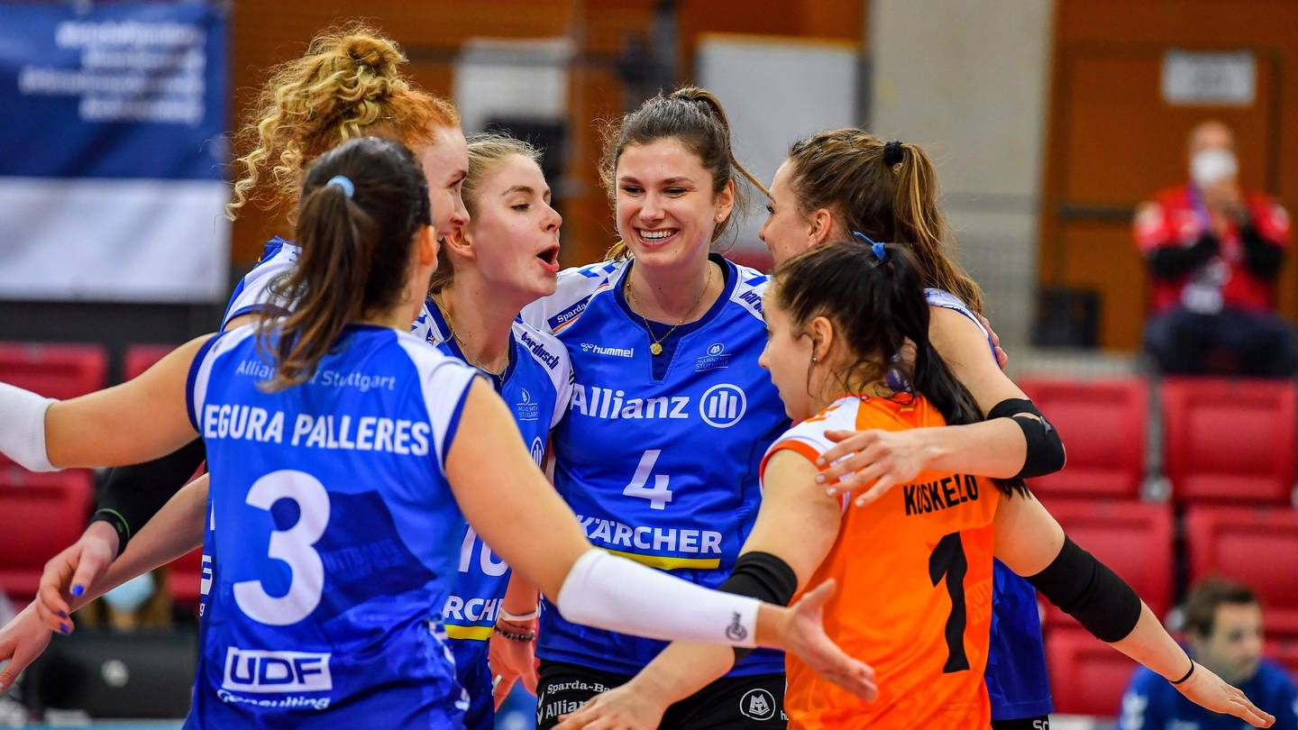 Volleyball-Spielerinnen von Allianz MTV Stuttgart (Foto: Imago, IMAGO / Beautiful Sports)