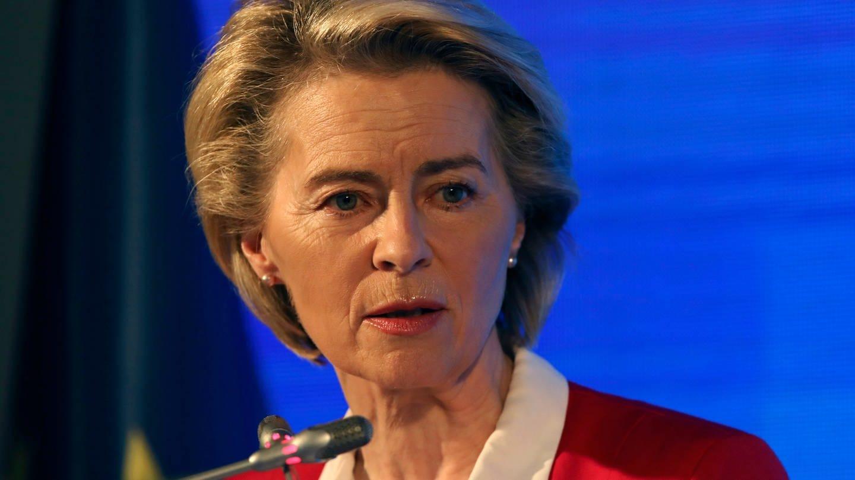 Ursula von der Leyen, Präsidentin der Europäischen Kommission, spricht während einer Pressekonferenz nach Gesprächen mit dem türkischen Präsidenten Erdogan.