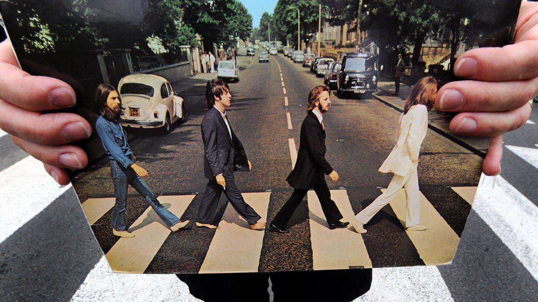 Zebrastreifen auf der Abbey Road (Foto: dpa Bildfunk, epa Andy Rain)