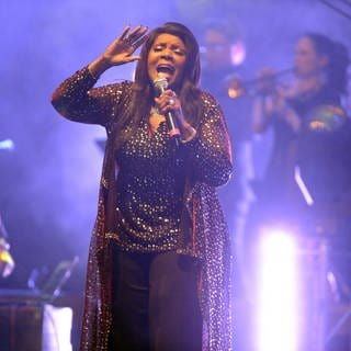 Gloria Gaynor (Foto: picture-alliance / Reportdienste, picture alliance / Jazzarchiv)