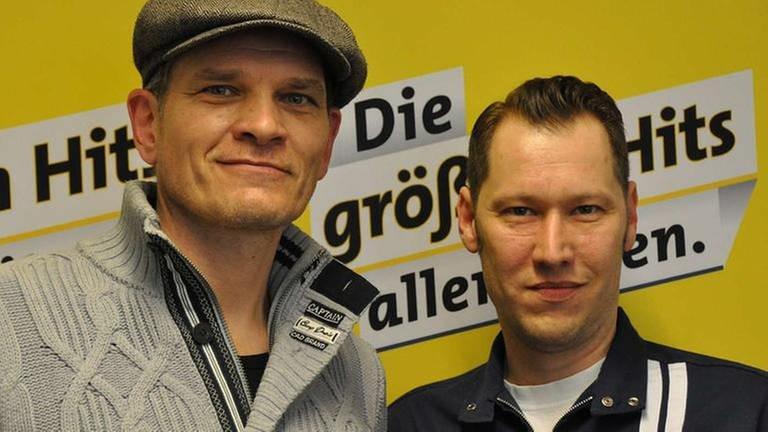 Schauspieler Götz Otto bei SWR1-Moderator Jochen Stöckle im SWR1 Studio