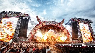 The Australian rock band ACDC performs a live concert at Valle Hovin Stadion in Oslo as part of the Rock or Bust World 2015 Tour. (Foto: picture-alliance / Reportdienste, PYMCA/Photoshot)