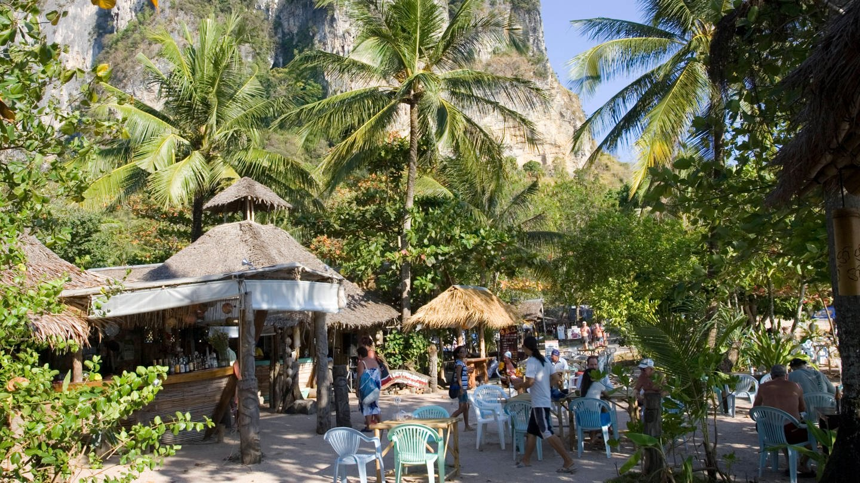 Bar mit Palmen (Foto: Imago, UIG)