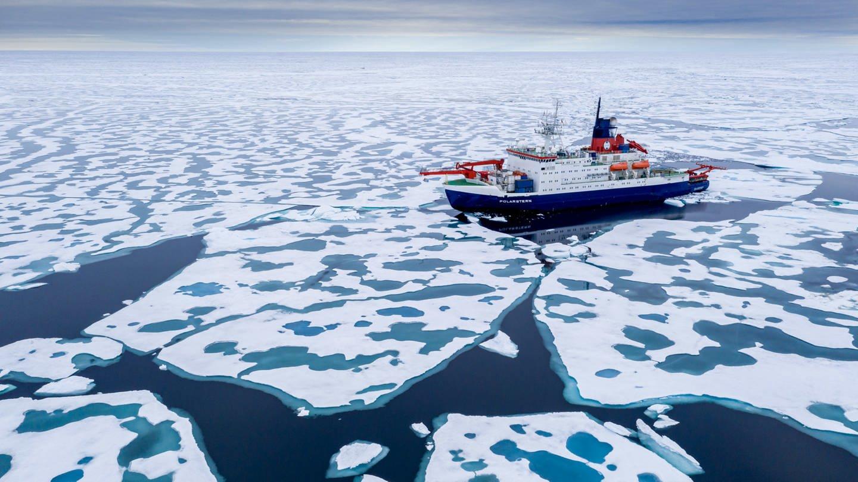 Das Forschungsschiff Polarstern in der Arktis (Foto: picture-alliance / Reportdienste, Steffen Graupner)