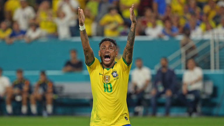 Brazil forward Neymar (10) reacts after a play during the second half of an international friendly against Colombia at Hard Rock Stadium in Miami Gardens, Fla., on Friday, September 6, 2019. The game ended in a 2-2 draw. (David SantiagoMiami HeraldTNS) Photo via Newscom picture alliance (Foto: picture-alliance / Reportdienste, picture alliance / newscom)