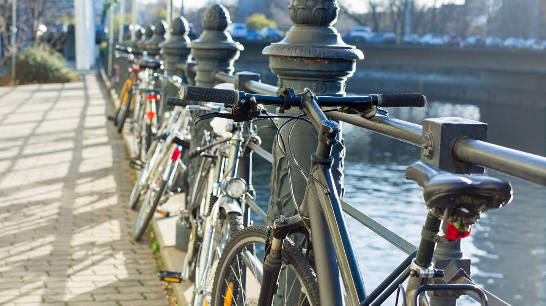 Fahrrad im Winter (Foto: Colourbox)