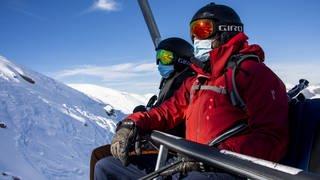 Auch beim Skiurlaub müssen Touristen während der Corona-Pandemie mit Einschränkungen rechnen  (Foto: dpa Bildfunk, Picture Alliance)
