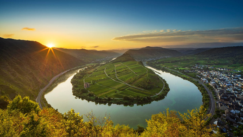 Moselschleife bei Sonnenaufgang (Foto: dpa Bildfunk, Andreas Vitting)
