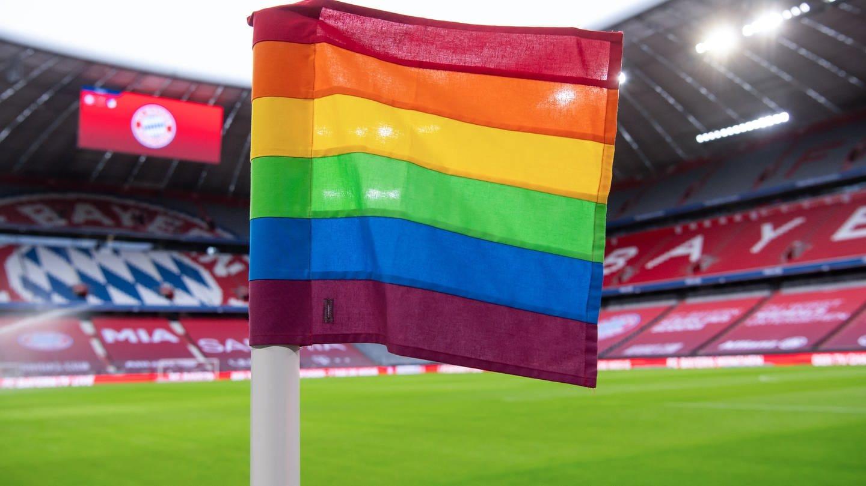 Regenbogenfahne in der Allianz-Arena