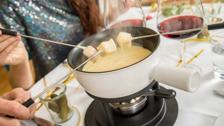Käsefondue, nicht die einzige Variante (Foto: picture-alliance / Reportdienste, Christin Klose)