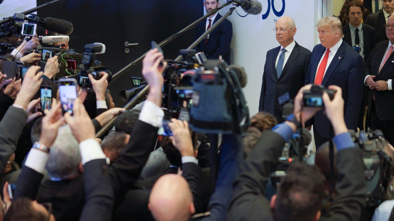 Us-Präsident Donald Trump mit dem Gründer des Weltwirtschaftsforums, Klaus Schwab. (Foto: picture-alliance / Reportdienste, Keystone/Alessandro della Valle)
