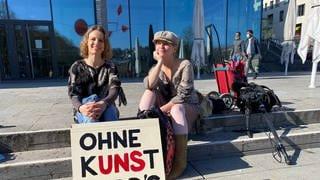Eleonore Majer und Magdalena Fischer  (Foto: Pressestelle, Foto: Sascha Gessert)