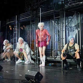 "Szene aus ""Shockheaded Peter""  am Thalia Theater Hamburg (Foto: Pressestelle, Fabian Hammerl / Thalia Theater Hamburg)"