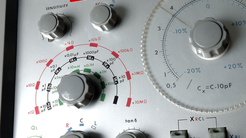 Tontechnik Frequenzgenerator (Foto: SWR, Jaques Lévesque)