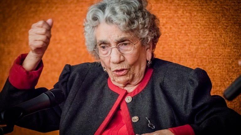 Die Holocaust-Überlebende Zilli Reichmann in der tschechischen Botschaft