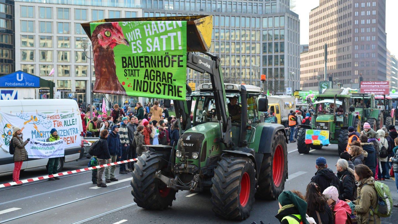 Demonstration gegen die Agrarindustrie unter dem Motto