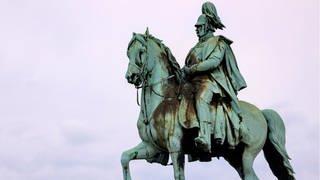 Reiterstandbild von Kaiser Wilhelm I. an der Hohenzollernbrücke in Köln (Foto: Imago, imago images/Future Image/Foto: Christoph Hardt )