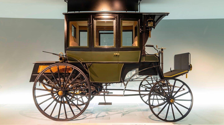 Stuttgart, 23.01.2020: Benz Omnibus (1895). Mercedes Museum (Foto: Imago, imago images / Arnulf Hettrich)