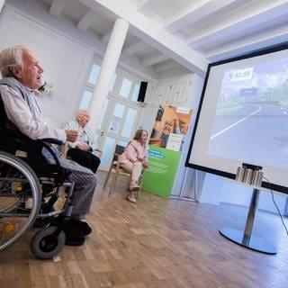 Computer- und Videospiele werden bei Senioren immer beliebter (Foto: dpa Bildfunk, picture alliance/Rolf Vennenbernd/dpa)