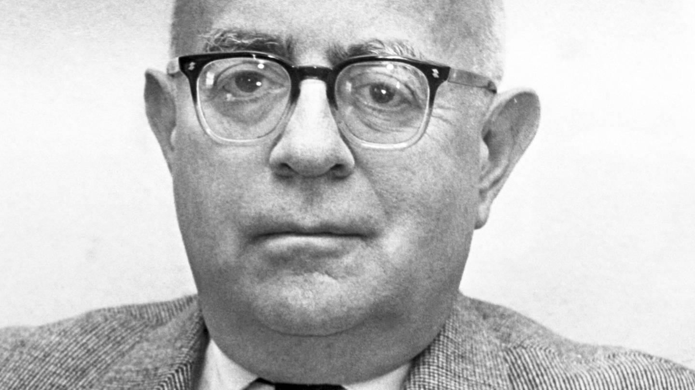 Der Philosoph, Musikkritiker und Soziologe Theodor W. Adorno (Foto: dpa Bildfunk, Peter Hillebrecht)